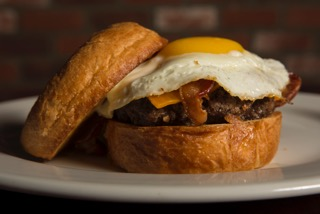 the-brunch-burger-the-hamburger-hamlet-2
