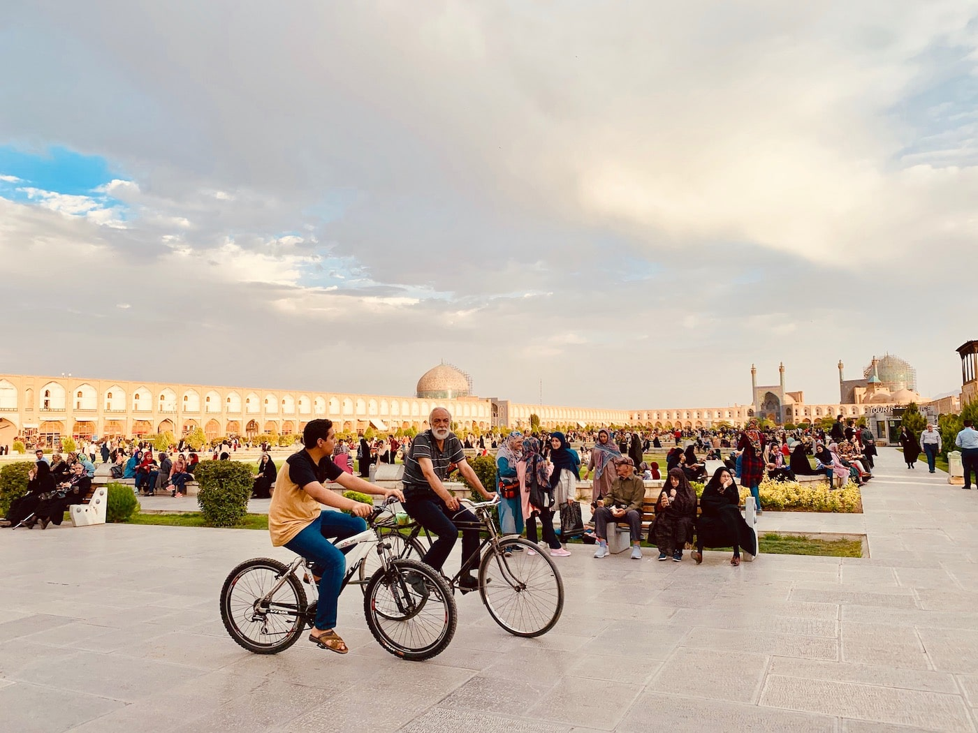 meidan esfahan